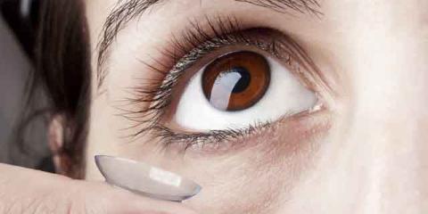 Viren über Finger ins Auge