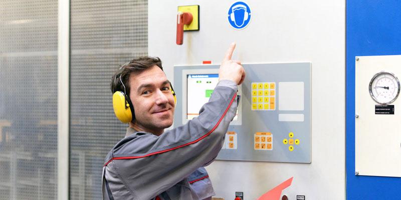 Tinnitus vorbeugen durch Gehörschutz am Arbeitsplatz