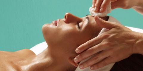 Milien entfernen: Das klappt bei der Kosmetik