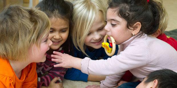 Enteroviren werden durch Körperkontakt der Kinder in KiTas weitergegeben